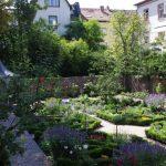 Gartenblick 1. Jahr © Isabelle van Groeningen