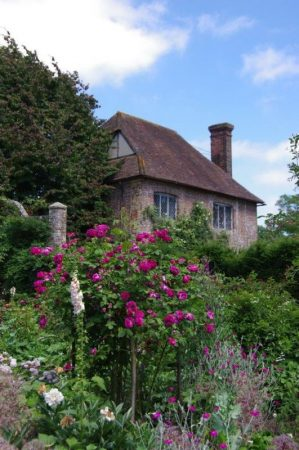 Sissinghurst Rose Garden © Isabelle van Groeningen