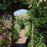 Sissinghurst White Garden © Isabelle van Groeningen