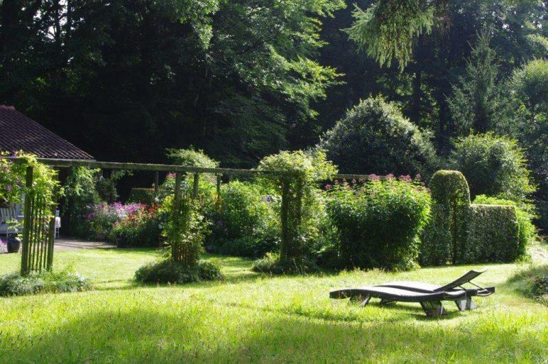 Urlaub im Garten © Isabelle Van Groeningen - Garten im Sommer