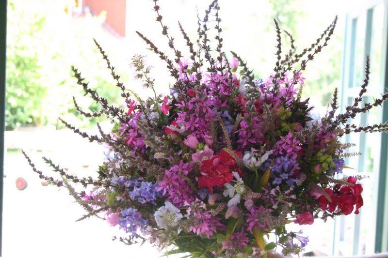 Nachhaltiges Gärtnern - Saisonaler Blumenstrauß © Isabelle Van Groeningen