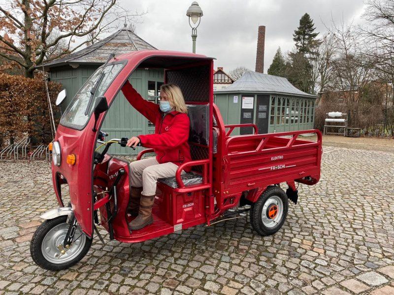 Nachhaltiges Gärtnern Roter Frosch Elektromobilität © Isabelle Van Groeningen